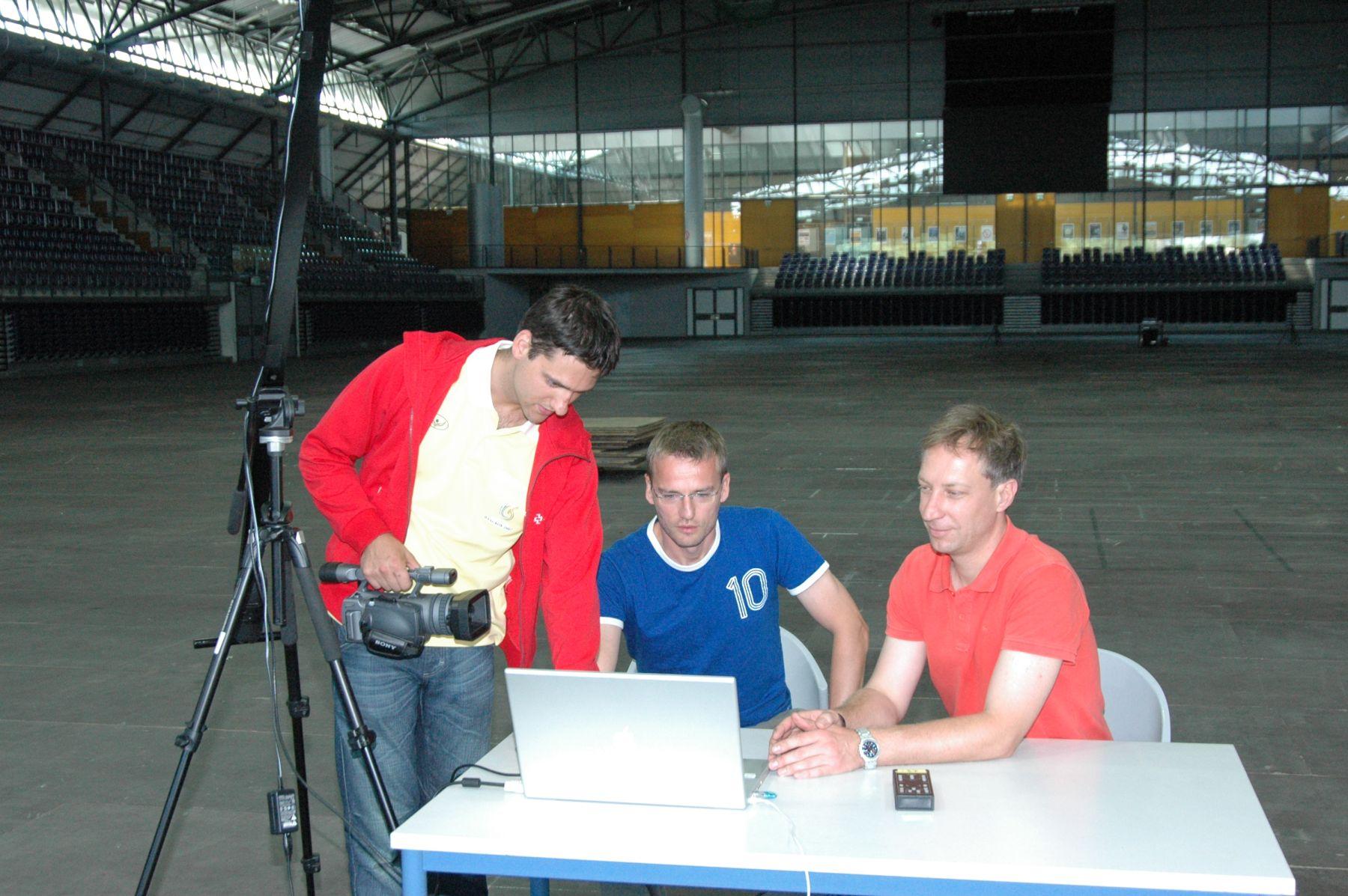 ARTOS 2004 - ENTWICKLUNG VON NETZWERK- UND ANALYTIKPROGRAMMEN